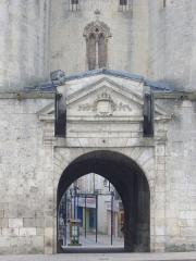 Porte Chaussée (porte et passage entre deux tours) - Français:   Porte Chaussée à Verdun (Meuse, France)