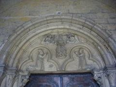 Abbaye - Église collégiale Saint-Étienne de Gorze (Moselle, France). Tympan du porche