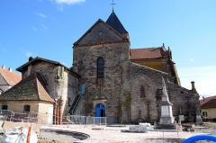 Abbaye - This building is indexed in the base Mérimée, a database of architectural heritage maintained by the French Ministry of Culture,under the reference PA00106785 .