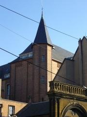Ancienne caserne du Cloître, lycée de garçons - Français:   Caserne du Cloître à Metz (Moselle, France); vue de la rue Piquemal