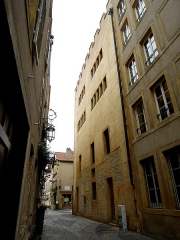 Ancienne commanderie Saint-Antoine - Français:   7 rue des Piques. Édifice fondé au début du 14e siècle.