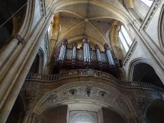 Eglise Saint-Vincent - Français:   Orgue au dessus du portail d\'entrée.