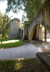 Vestiges de l'enceinte du Moyen-Age - Nederlands: Tour des Esprits, Metz.