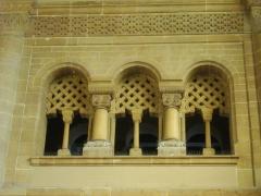 Gare - Gare de Metz-Ville (Moselle, France); fenêtres donnant sur le hall des départs
