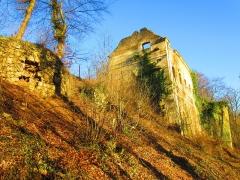 Château (ruines) - English: Ottange castle 2