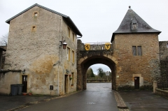 Anciennes fortifications - This building is indexed in the Base Mérimée, a database of architectural heritage maintained by the French Ministry of Culture, under the reference PA00106977 .