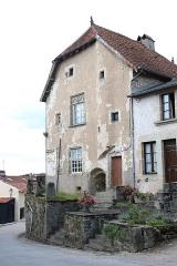 Immeuble dit ancien hôpital - Français:   Ancien hôpital de Châtillon-sur-Saôneen France.