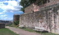 Château - Français:   Château (Classé Inscrit)
