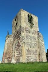 Ancienne abbaye Saint-Winoc - Français:   La tour carrée de l\'abbaye Saint-Winoc (Nord, France).