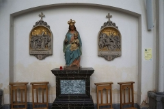 Eglise Saint-Pierre - Statue de la Vierge, dans l'église Saint-Pierre, à Bouvines, Nord, France.