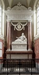 Cathédrale Notre-Dame de Grâce - le monument funéraire à Fénelon, œuvre de David d'Angers, 1826