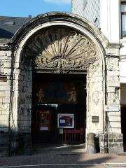 Ancien Hôtel de Simencourt - Français:   Portail de l\'ancien Hôtel de Simencourt à Cambrai, maison natale de Louis Blériot