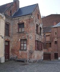 Maison - Français:   Maison historique au n° 12 Grand-Place Cassel, Nord.- Hauts-de-France