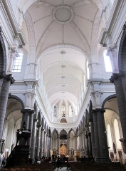 Ancienne collégiale Saint-Pierre - La nef de la collégiale Saint Pierre de Douai (Nord).