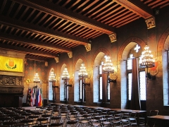 Hôtel de ville et beffroi - Vue de la salle gothique de l'hôtel de ville de Douai (Nord).