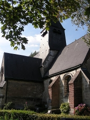 Eglise - This building is indexed in the Base Mérimée, a database of architectural heritage maintained by the French Ministry of Culture,under the reference PA00107511 .