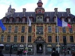 Vieille bourse du commerce - La vieille bourse de Lille, Nord. Façade coté Place du Général de Gaulle.