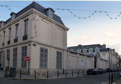 Hôtel Scrive, actuellement siège de la Direction régionale des Affaires culturelles du Nord-Pas-de-Calais - Français:   L\'Hôtel Scrive,  Rue du Lombard (Lille)  Lille  Nord (département français)