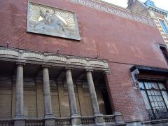 Immeuble, siège du Cercle Phylosophique et Culturel - Français:   Temple lillois franc-maçonnique le plus connu. Architecte: Albert Baert