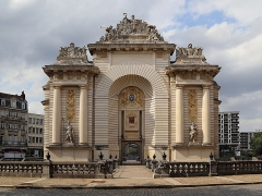 Porte de Paris - English: The Porte de Paris (Paris gate) in Lille, France.