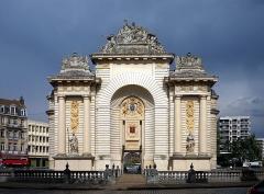 Porte de Paris - Français:   Porte de Paris (Classé) à Lille.
