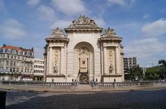 Porte de Paris - Français:   La Porte de Paris, Lille, France.