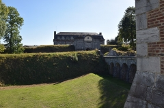 Fortifications - This building is classé au titre des monuments historiques de la France. It is indexed in the base Mérimée, a database of architectural heritage maintained by the French Ministry of Culture,under the reference PA00107748 .