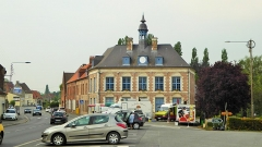 Mairie - English: Town hall of Morbecque (Nord, France).
