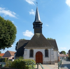 Eglise Saint-Martin - This building is indexed in the Base Mérimée, a database of architectural heritage maintained by the French Ministry of Culture,under the reference PA00107765 .