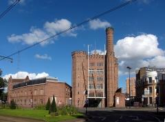 Usine Motte-Bossut, actuellement centre des archives du monde du travail - Français:   Le centre des archives du monde du travail de Roubaix dans l\'ancienne usine Motte-Bossut.