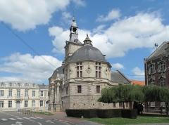 Hôtel de ville - Nederlands: Saint Amand les Eaux, l'échevinage de l'abbaye