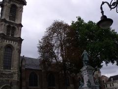 Eglise Saint-Géry - arbres devant l'Eglise