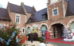 Ferme d'en Bas de Flers - This building is indexed in the Base Mérimée, a database of architectural heritage maintained by the French Ministry of Culture,under the reference PA00107880 .