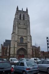 Eglise Saint-Pierre - English: Collégiale Saint-Pierre, in Aire-sur-la-Lys, Pas-de-Calais, France.