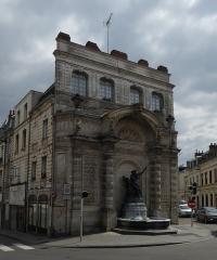 Fontaine du Pont-de-Cité ou fontaine Neptune -  Fontaine du Pont-de-Cité Arras Pas-de-Calais .- Nord-Pas-de-Calais-Picardie