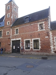 Ancien hôpital Saint-Eloy - This building is indexed in the Base Mérimée, a database of architectural heritage maintained by the French Ministry of Culture,under the reference PA00107969 .