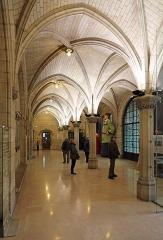 Hôtel de ville - Nederlands: Atrecht (departement Pas-de-Calais, Frankrijk): hal op de gelijkvloerse verdieping van het stadhuis