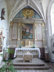 Eglise Saint-Omer - Français:   Merck-Saint-Liévin (Pas-de-Calais, France), église Saint-Omer classée M.H., autel de St Liévin avec statue (tout à gauche), reliquaire (devant l\'autel), retable et toile (St Liévin secourant des naufragés) classés M.H. au titre objet.
