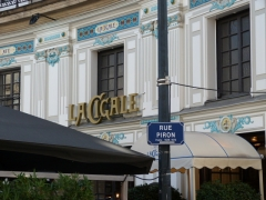 Brasserie La Cigale - This building is indexed in the Base Mérimée, a database of architectural heritage maintained by the French Ministry of Culture,under the reference PA00108653 .