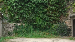 Enceinte gallo-romaine (vestiges) - Français:   Vestiges de l\'enceinte gallo-romaine de Nantes (parement intérieur), dans un parking, Rue Bossuet