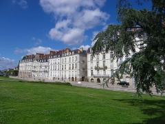 Immeuble - English: Façades sud des immeubles de l'Île Feydeau
