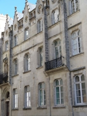 Presbytère de Saint-Nicolas - This building is indexed in the Base Mérimée, a database of architectural heritage maintained by the French Ministry of Culture,under the reference PA00108759 .