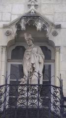Presbytère de Saint-Nicolas - Français:   Statue on the exterior of Presbytère Saint-Nicolas, Nantes