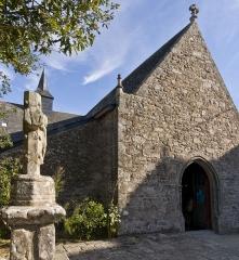 Chapelle de Penchâteau - Français:   Chapelle Sainte-Anne et Croix de Penchâteau, Le Pouliguen, Loire-Atlantique, France