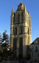 Ancienne abbaye Saint-Aubin, actuelle préfecture - English: Saint-Aubin tower (Angers, France)
