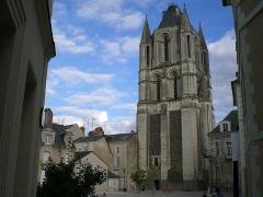 Ancienne abbaye Saint-Aubin, actuelle préfecture -  Tour Saint-Aubin à Angers.