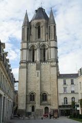 Ancienne abbaye Saint-Aubin, actuelle préfecture - Français:   Tour Saint-Aubin, Angers.