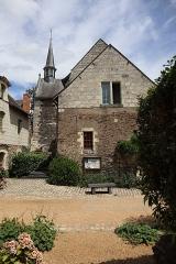 Eglise - Extérieur de l'église Notre-Dame de Béhuard (49).