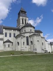 Ancienne abbaye royale de Fontevraud, actuellement centre culturel de l'Ouest - Français:   Chevet de l\'abbatiale de Fontevraud (49).