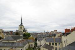 Eglise Saint-Pierre -  Église Saint-Pierre-du-Marais et toits de Saumur vus de la tour Papegault